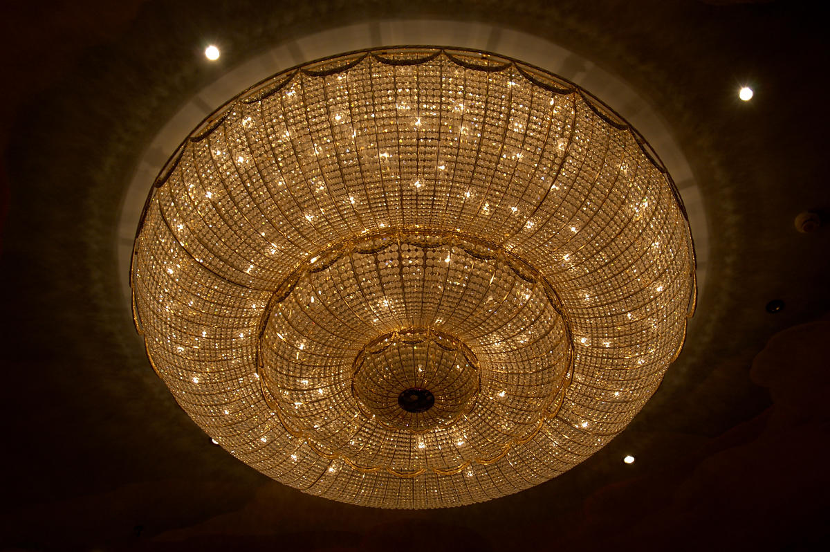 Chandeliers can be used for large rooms like the living room, dining room and open foyers because of their centrality.