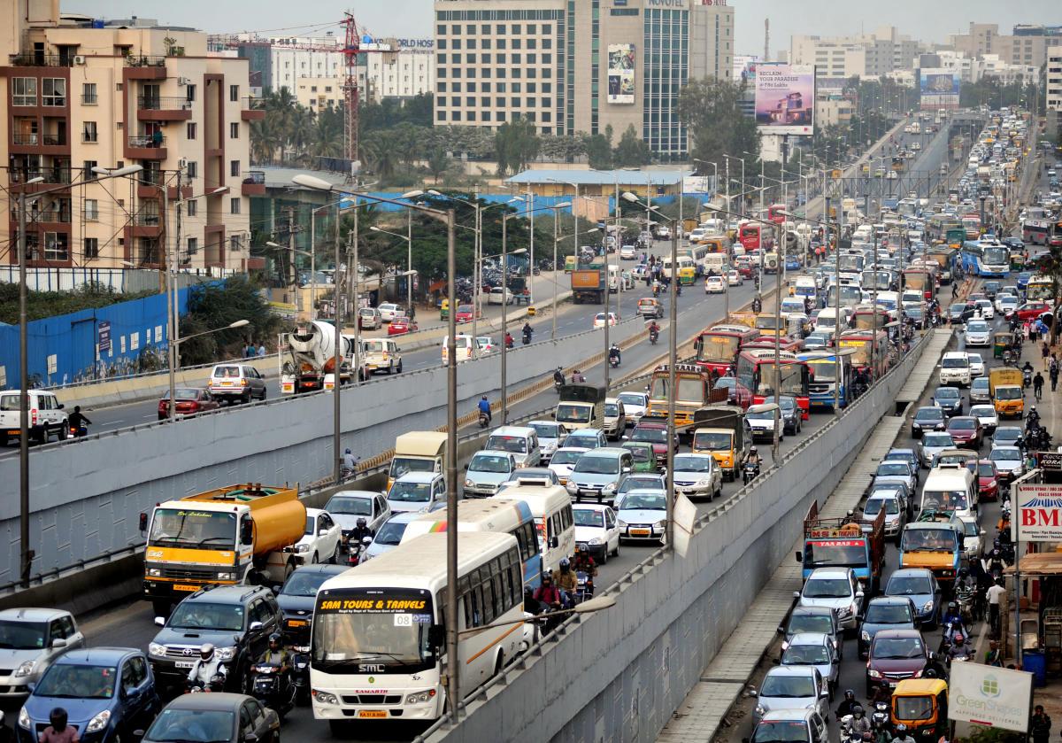 View of the traffic on Bellandoor flyover from Marathahalli to Sarjapur on Tuesday evening in Bengaluru. Photo Srikanta Sharma R.