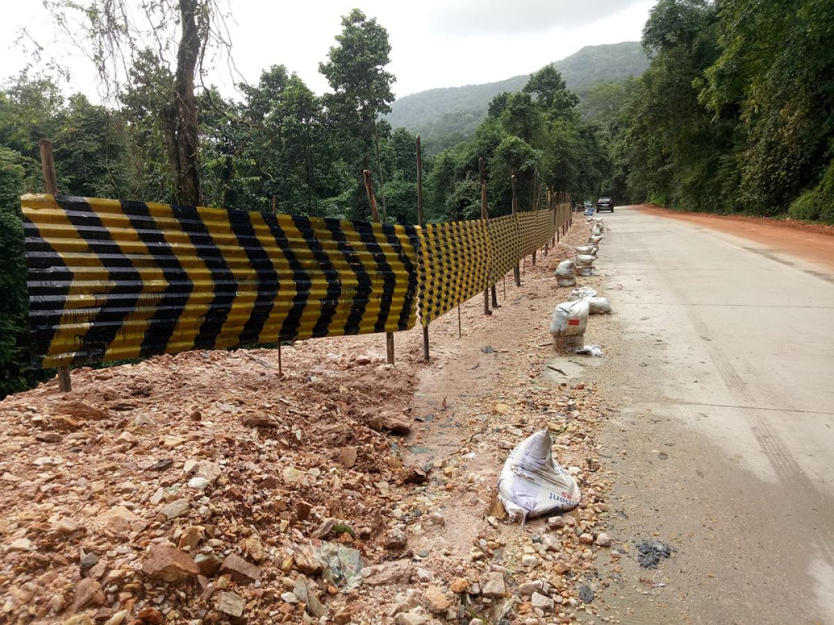 A temporary retaining wall has been constructed beside the Shiradi Ghat Road.
