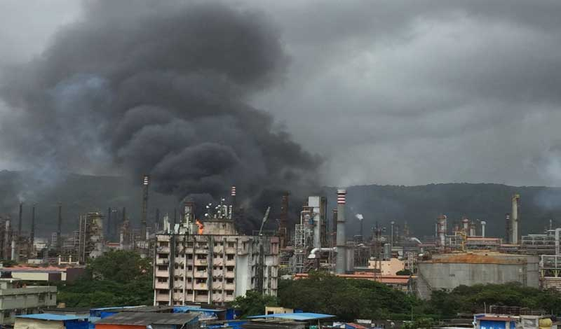 A series of explosions and a resultant fire was reported from a refinery plant of the Bharat Petroleum Corporation Ltd (BPCL) plant at Chembur in eastern suburbs of Mumbai. Picture courtesy @Laxmantweetsss