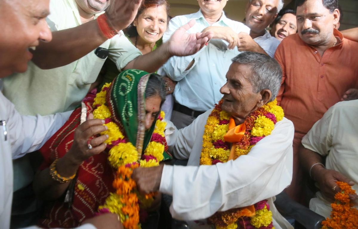 After spending nearly four decades in jail, Gajanand Sharma, a labourer from Jaipur, received a warm welcome on his homecoming.