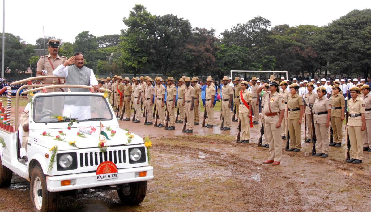 District In-charge Minister K J George receives the guard of honour during the 72nd Independence Day programme in Chikkamagaluru on Wednesday.