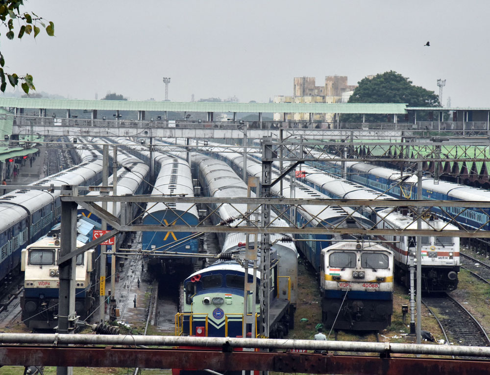 With the railway track between Shoranur and Kuttipuram operational now, train services have been restarted in the section. (DH File Photo)