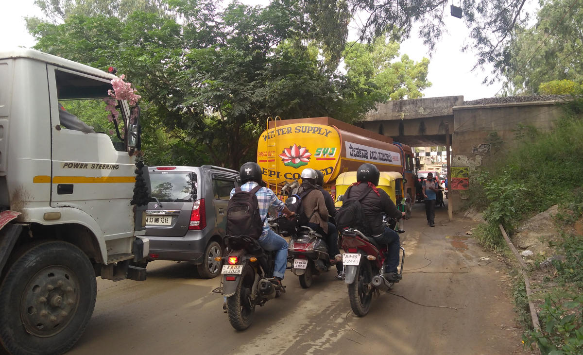 Corporator Pushpa Manjunath had promised to ban water tankers during peak hours on Panathur-Belagere Road as they were causing traffic snarls. DH FILE PHOTO