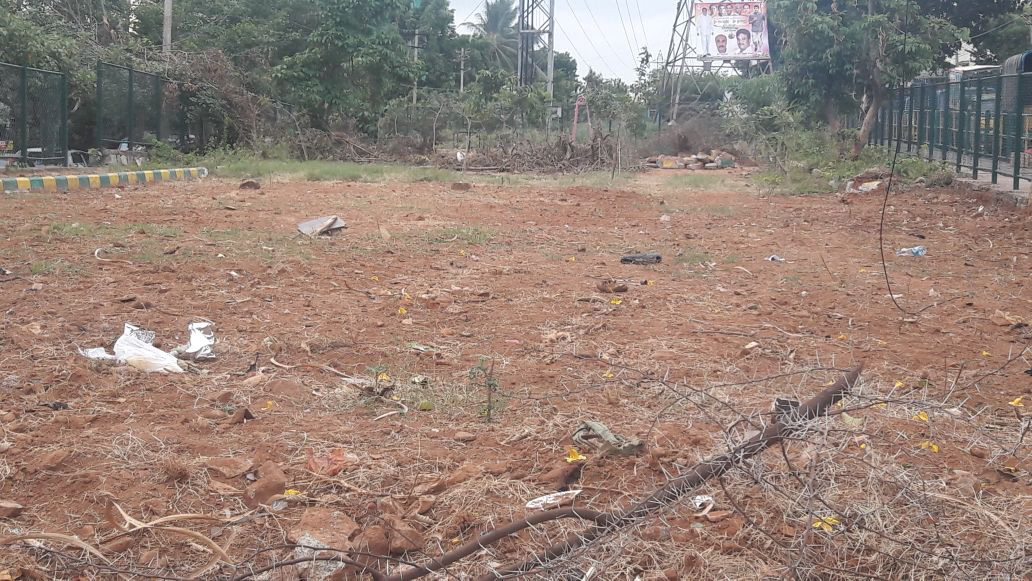 According to citizens and urban experts, instead of auctioning the civic amenity sites, where the lease has expired, the government should convert them into parks and playgrounds.