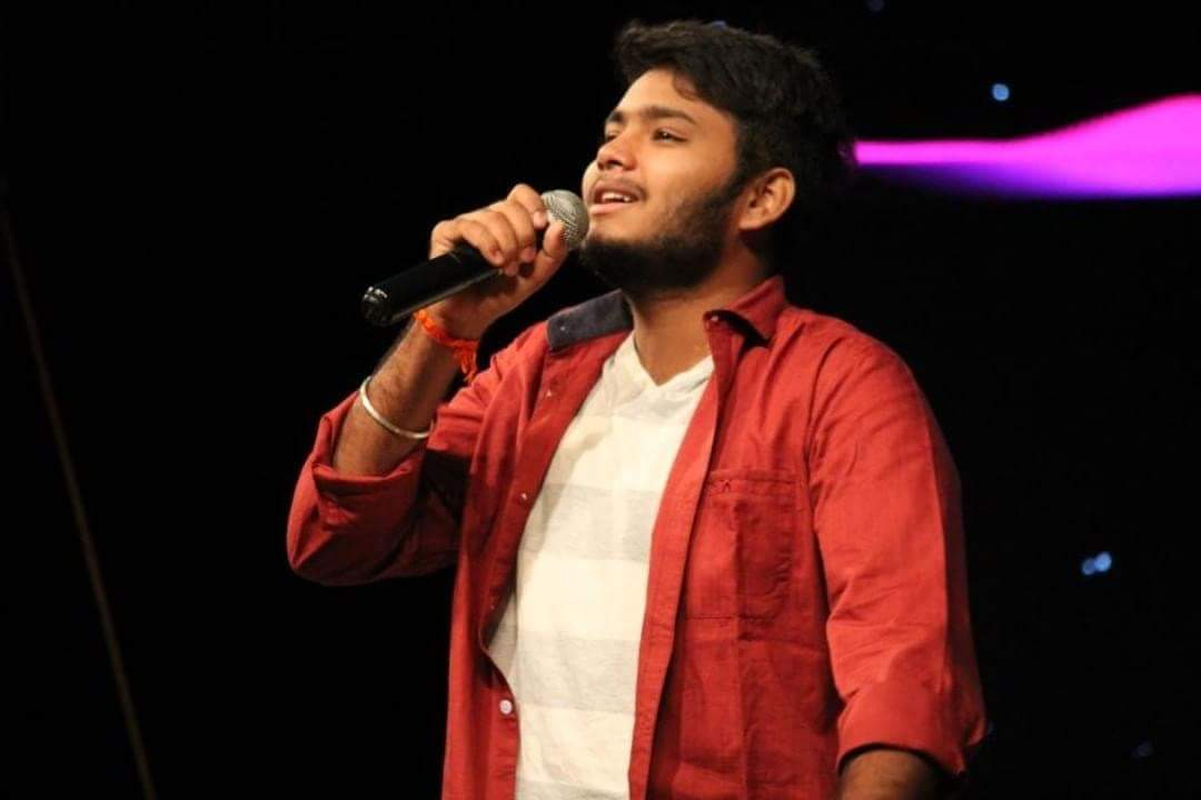 Manojavam's first tryst with acting was through Kannada television series like 'Jagala Gantiyaru', 'Pandu I Love You' and 'Silly Lalli'. As a contestant in singing talent show 'Ede Thumbi Haaduvenu', Manojavam received appreciation from stalwarts like S P Balasubrahmanyam and S Janaki as well as actors like Anant Nag, Prakash Raj, Devaraj, Shivrajkumar, Upendra and more. Under the banner 'Aatreya Project', Manojavam has given more than 1,000 shows. He will be performing on August 27 at Town Hall.