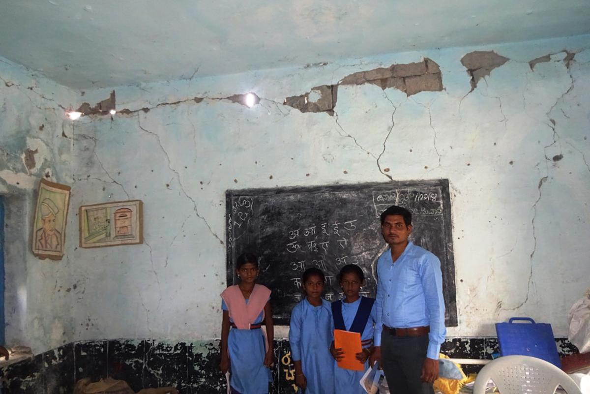 A dilapidated classroom in Kadabur Government Higher Primary School, Chittapur taluk, Kalaburagi district. DH file photo