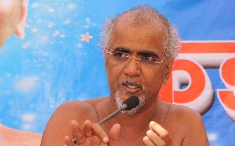 Jain monk Tarun Maharaj