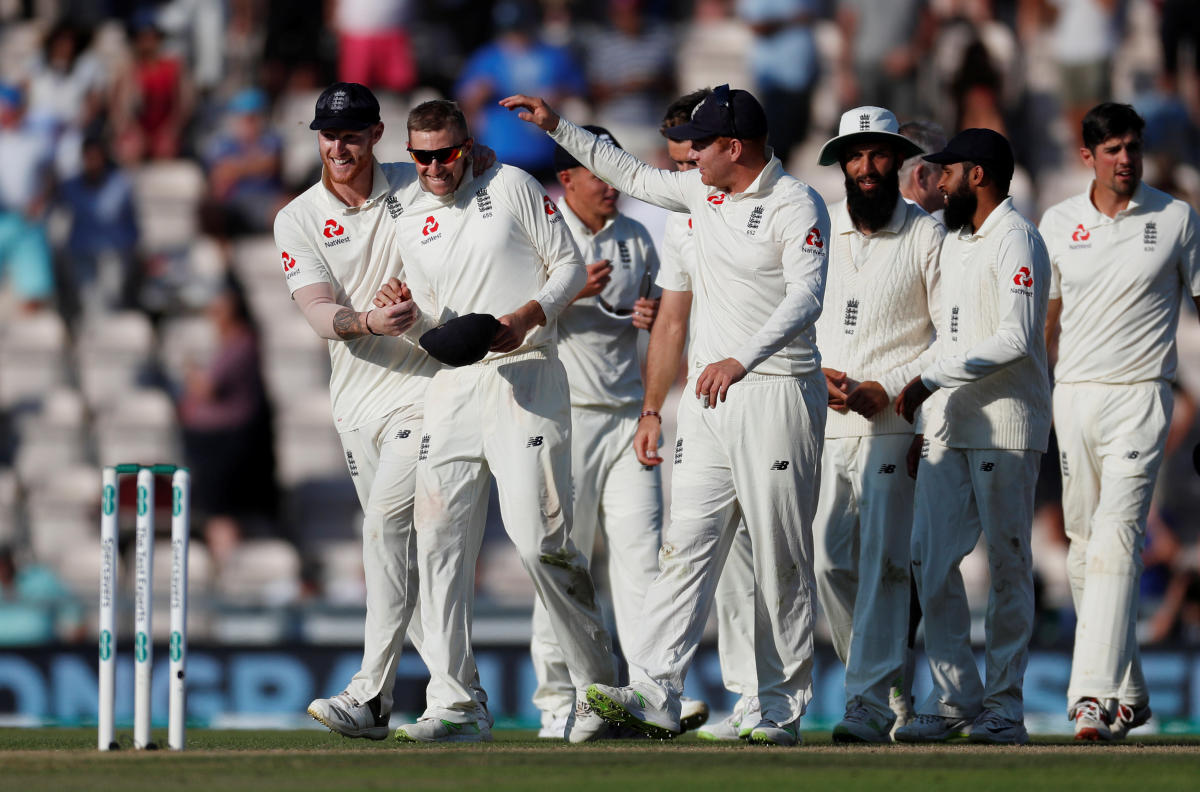 England players celebrate after winning the fourth test Action Images via Reuters/Paul Childs