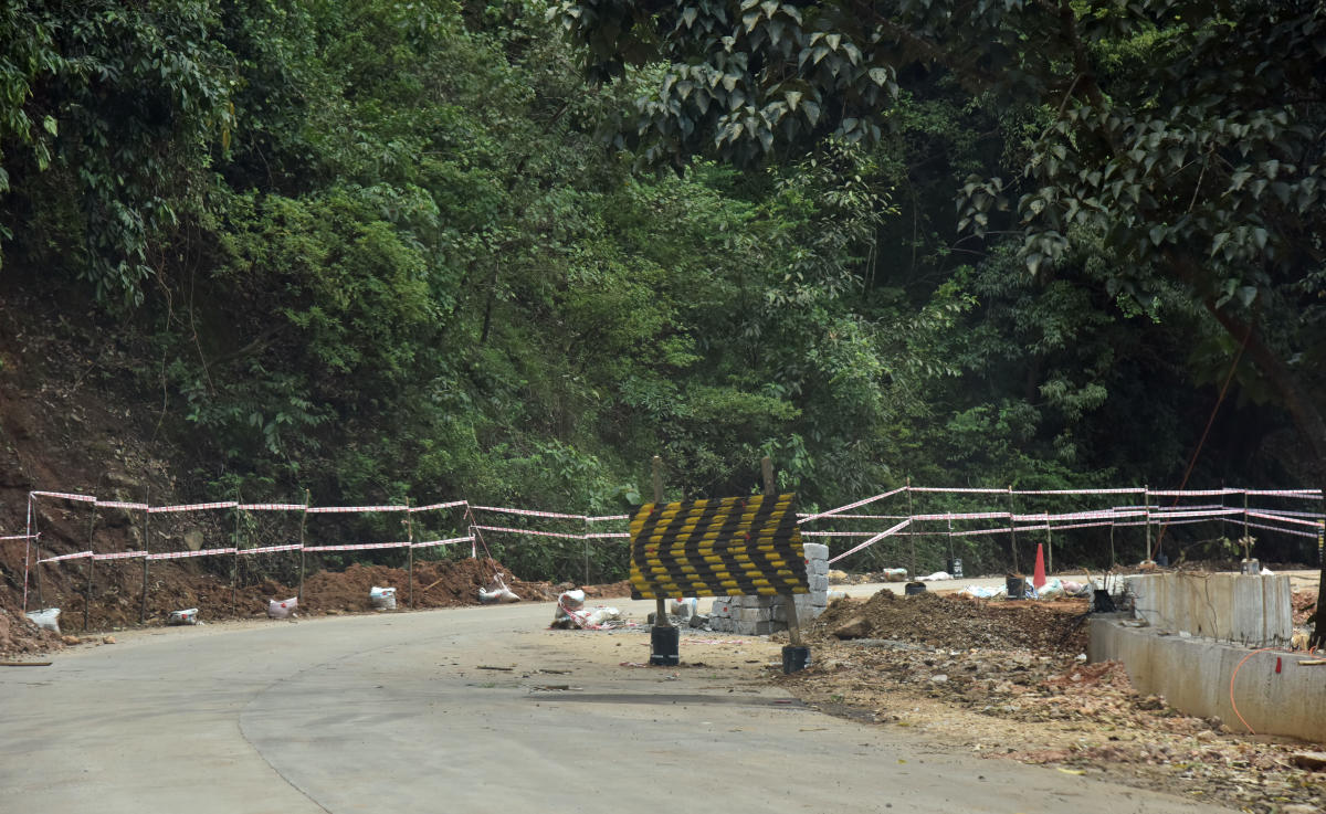 The Shiradi Ghat stretch on the Bengaluru-Mangaluru highway in Sakleshpur taluk, which was closed after heavy landslides, will be opened for movement of light motor vehicles on Wednesday. DH File Photo
