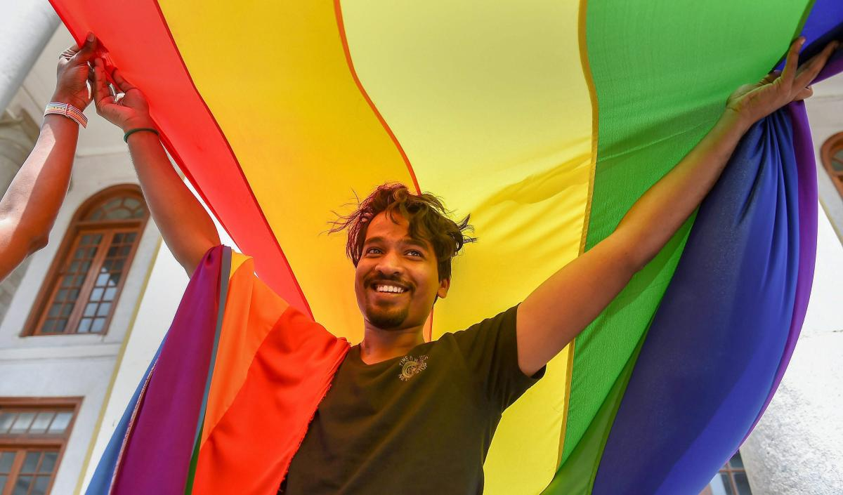 : LGBT community supporter celebrate after the Supreme Court verdict which decriminalises consensual gay sex, in Bengaluru, Thursday, Sept 6, 2018. PTI photo