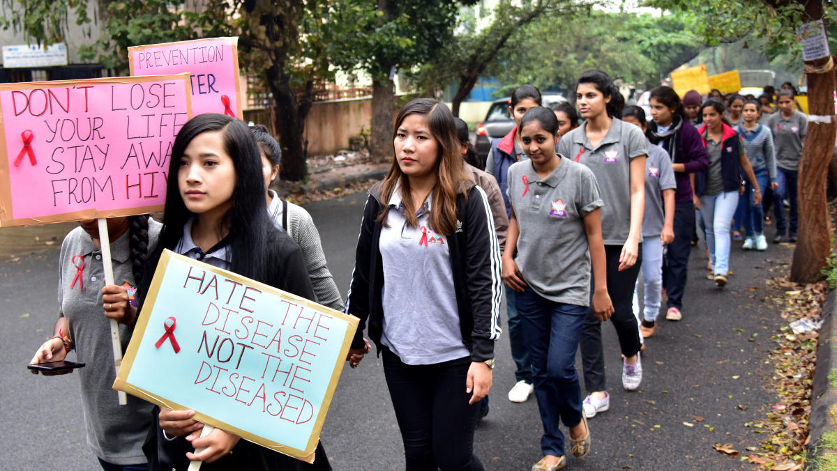 Students take part in a HIV/AIDS Awareness Rally on the occasion of World HIV/AIDS Day, in Bengaluru. (DH File Photo/B H Shivakumar)