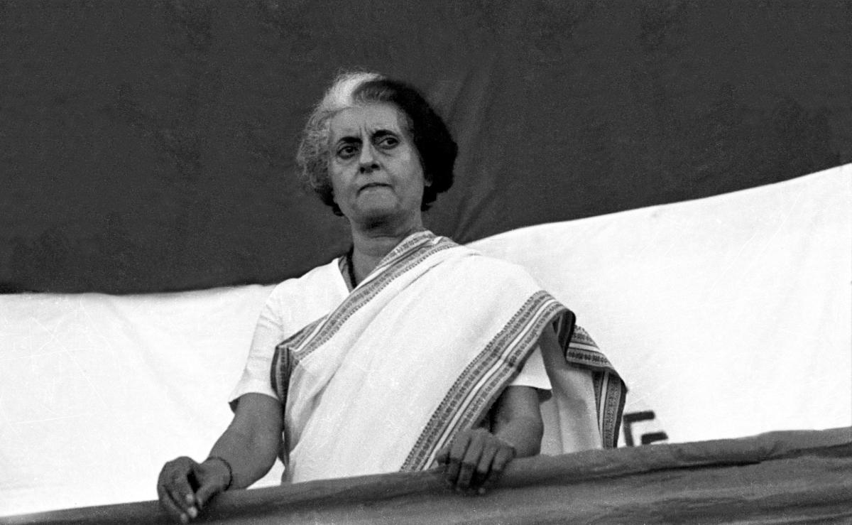 File photo of Indira Gandhi addressing a public meeting during the national emergency in Bangalore. (DH)