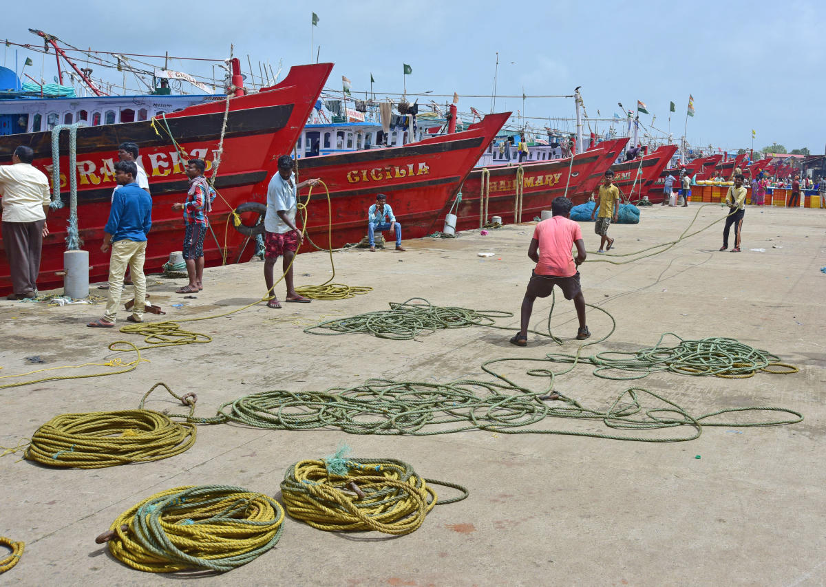 Fish catch and equipment worth lakhs of rupees were damaged, the fishermen alleged. (DH File Photo. For representation purpose)