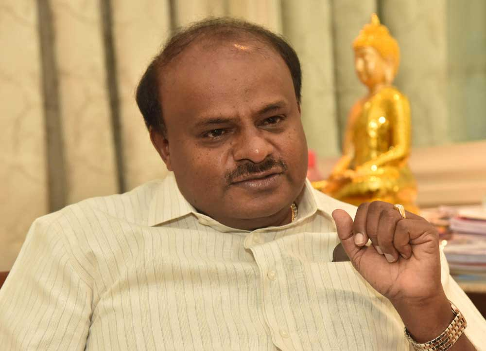 """""""Bank officials have been warned against harassing farmers,"""" Kumaraswamy said. (DH File Photo)"""