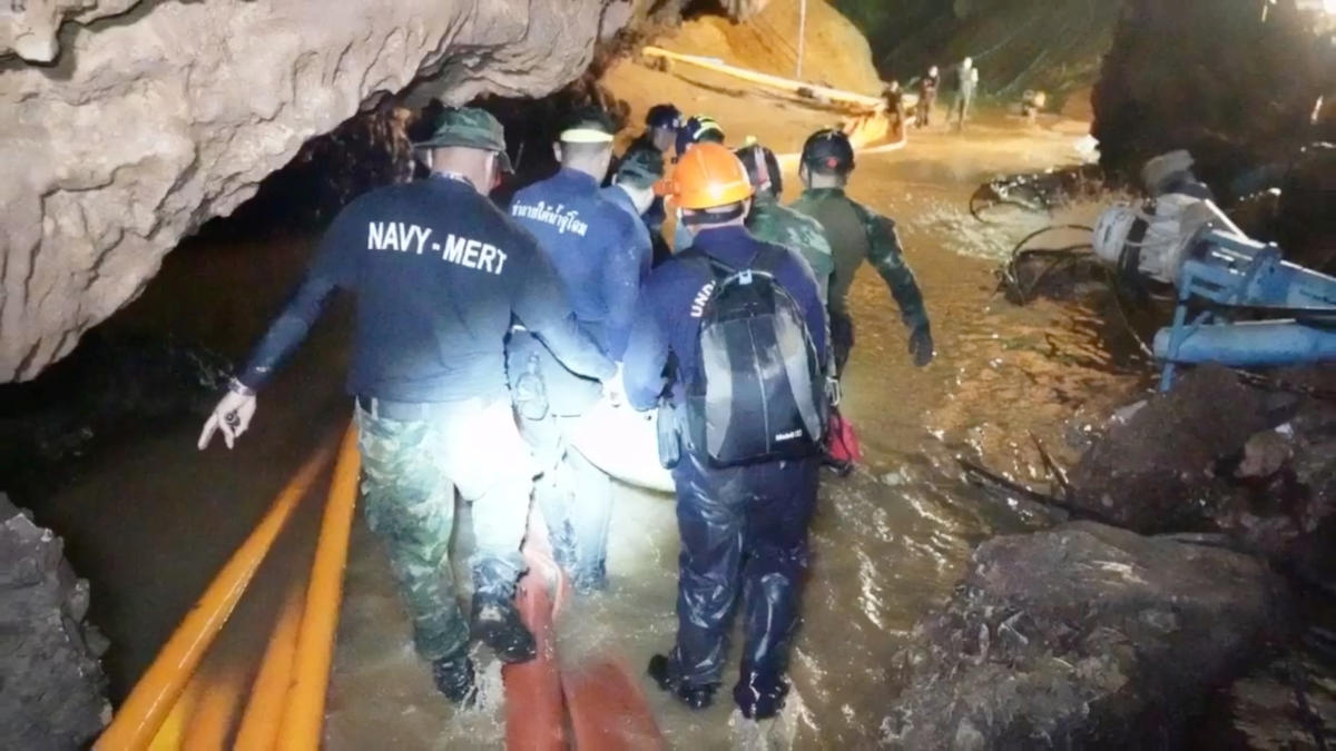 Rescue personnel work at the Tham Luang cave complex in the northern province of Chiang Rai, Thailand. (Reuters Photo)