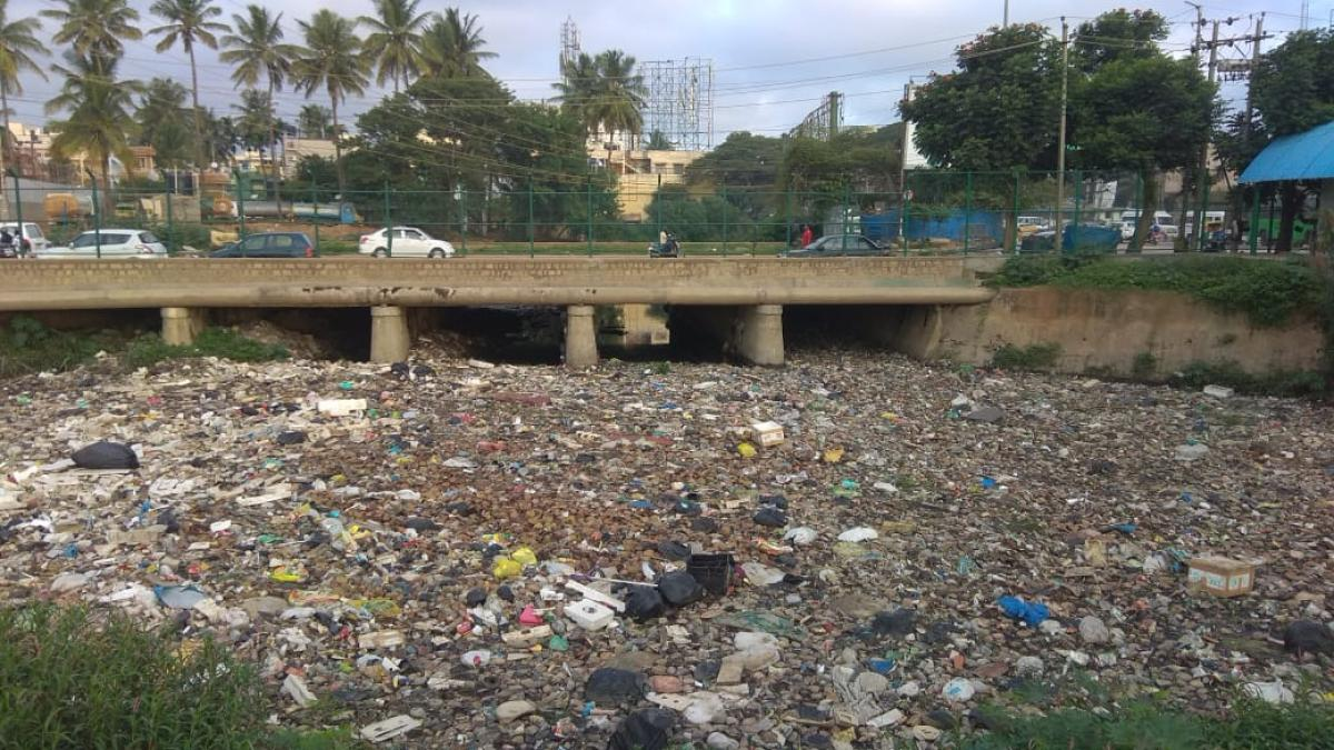 The stinking rajakaluve near Agara lake has turned a bugbear to residents. They raised concerns about contamination of the lake due to inflow of sewage water from the overflowing rajakaluve.