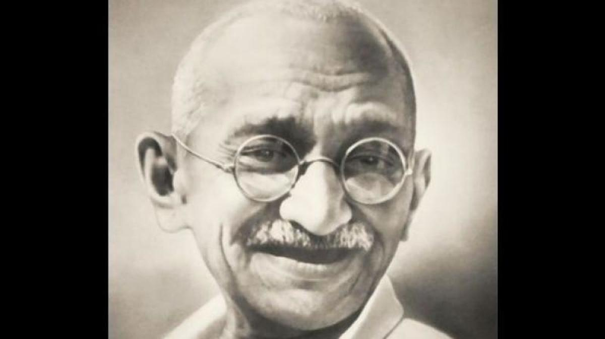 Twitter said the new emoji -- featuring a caricature of Mahatma Gandhi -- can be used with hashtags like #GandhiJayanti, #MKGandhi, #BapuAt150, #MahatmaGandhi, #MyGandhigiri, #MahatmaAt150 and #NexusOfGood, among others. DH File Photo