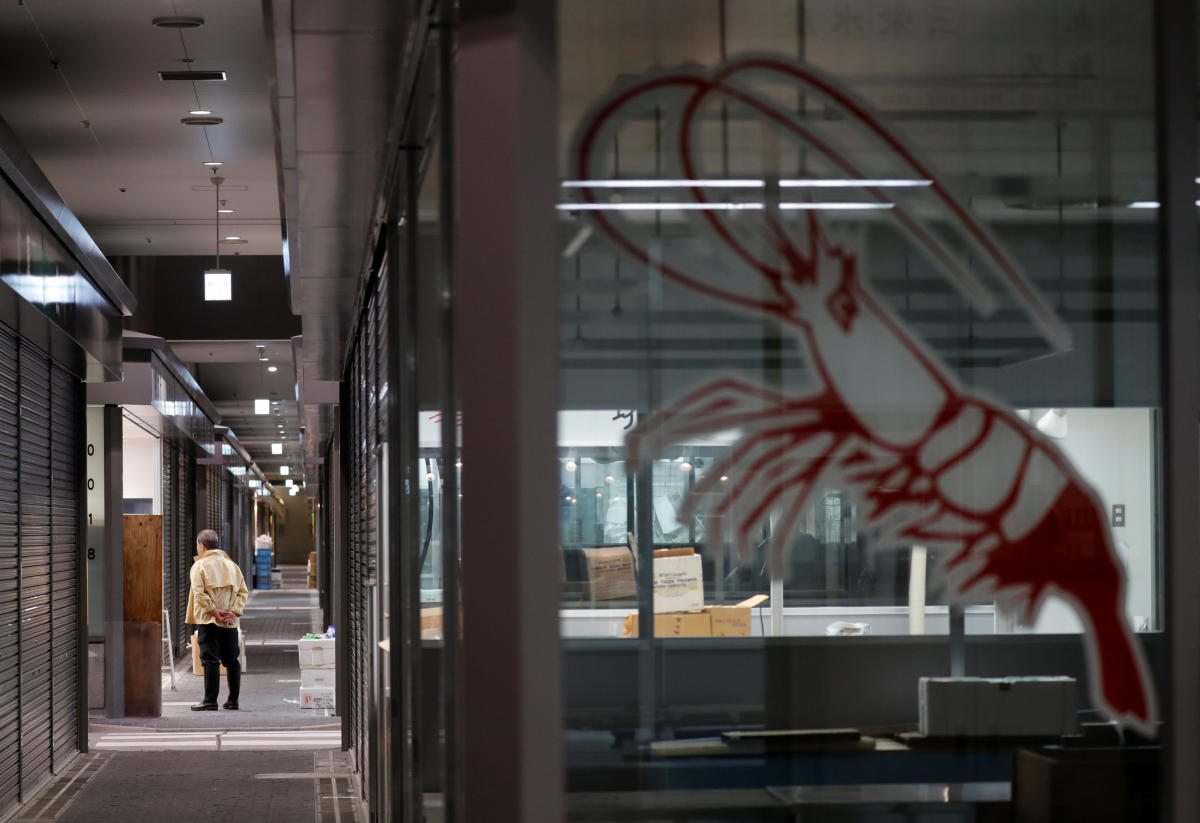 A man is seen at Toyosu fish market during a relocation from Tsukiji to Toyosu in Tokyo, Japan. (Reuters Photo)