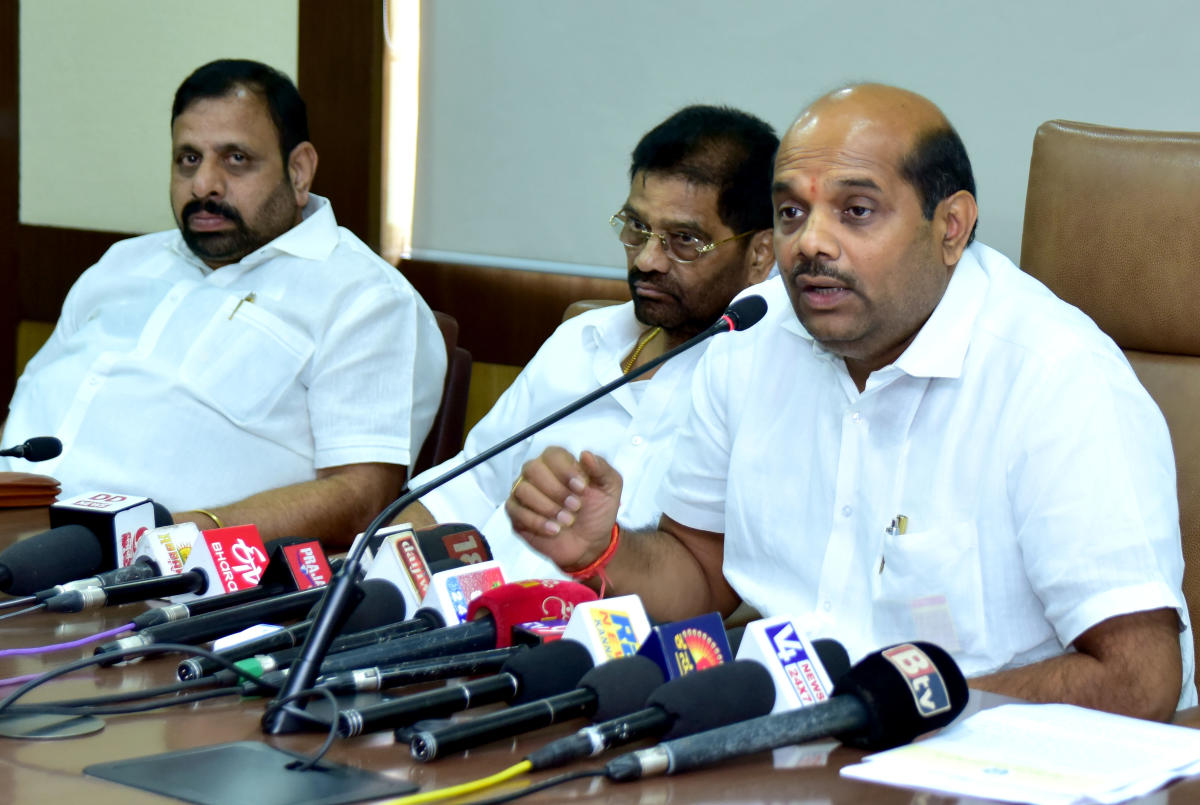 Cooperation Minister Bandeppa Kashempur speaks to mediapersons in Mangaluru on Wednesday.
