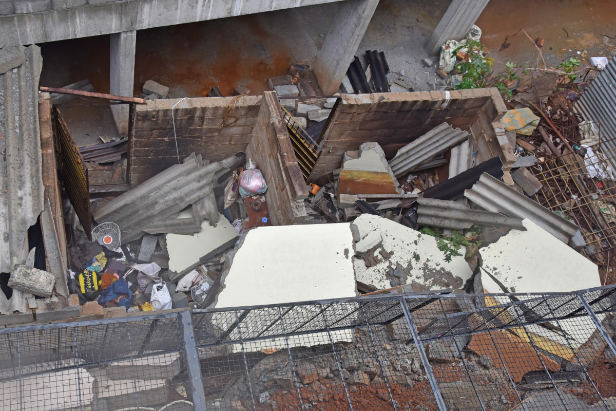 The remains of a shed at Balaji Layout in Vidyapeetha ward, South Bengaluru, where a labourer was killed on Saturday. DH Photo/S K Dinesh