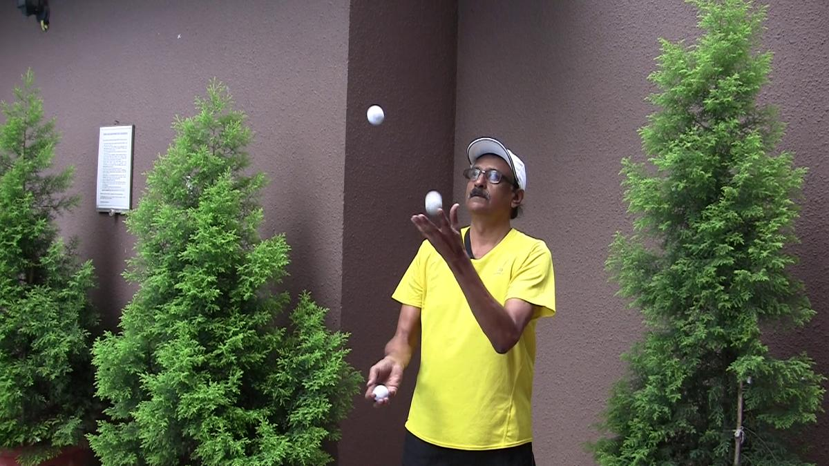 """Krishnakumar Raman is one of the first few """"jogglers"""" (juggling while you jog) in the country to have mastered the sport and has inspired many to take up the skill."""