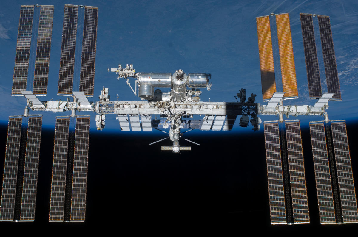 Russia has temporarily suspended all manned space launches after two astronauts made a dramatic emergency landing in Kazakhstan on Thursday due to the failure of the Soyuz rocket carrying them to the orbital ISS.