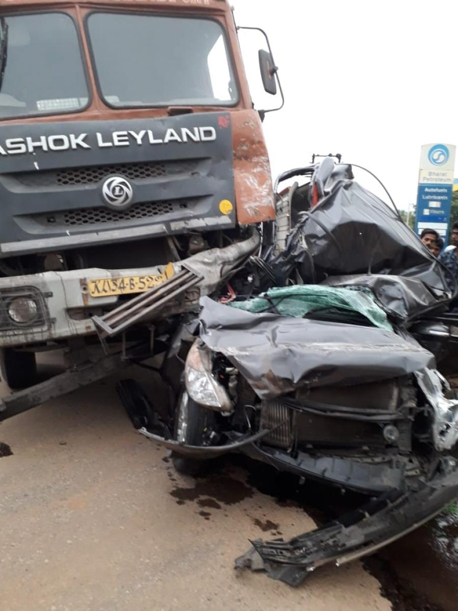 A massive 3.4 lakh road crashes of the total 4.7 lakh accidents last year occurred on sunny clear days, as per the report on accidents in 2017 by Ministry of Road Transport and Highways. (DH File Photo. For representation purpose)