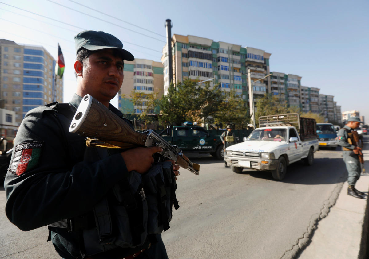 Afghan policemen stand guard at a checkpoint a day before parliamentary elections in Kabul, Afghanistan October 19, 2018. (Reuters Photo)