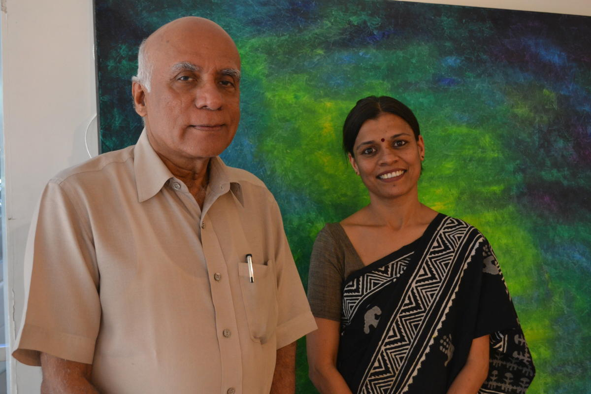 Art promoter Akumal Ramachander discovered Bhavna Kothari, and worked with her for two years for the show.