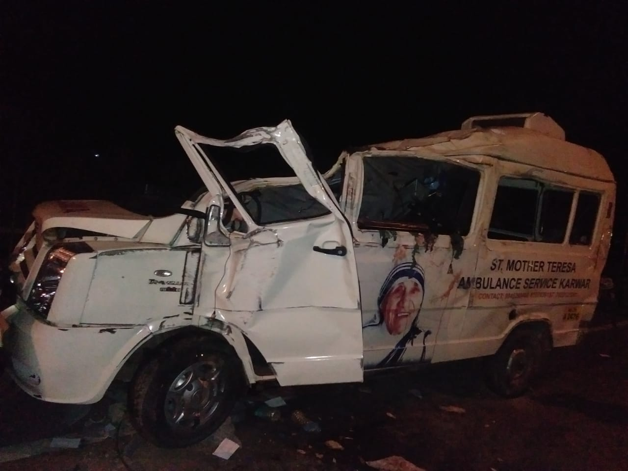 The ambulance driver lost control of the vehicle and hit the lorry. (DH Photo)