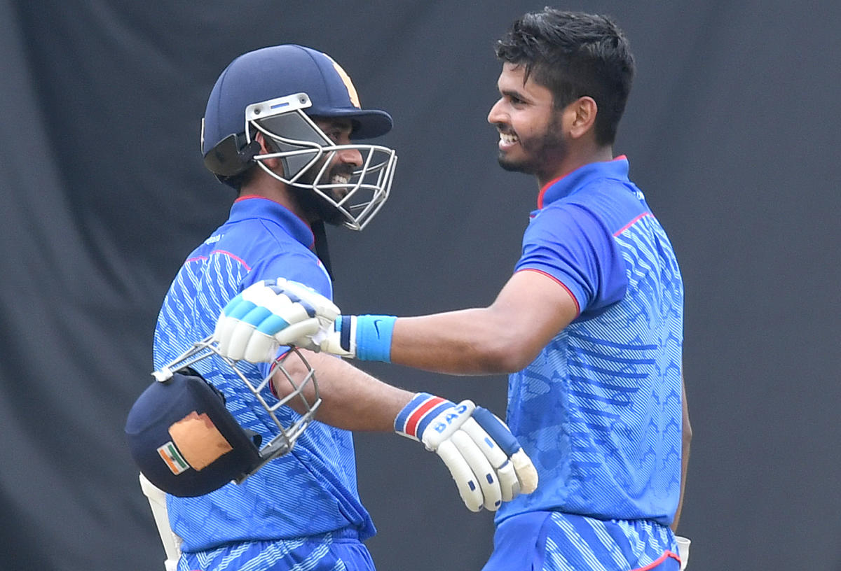 TALE OF TWO SKIPPERS While Ajinkya Rahane's (left) ton resulted in India C's win, Shreyas Iyer's 148 proved inadequate for India B in the Deodhar Trophy final on Saturday. DH File Photo