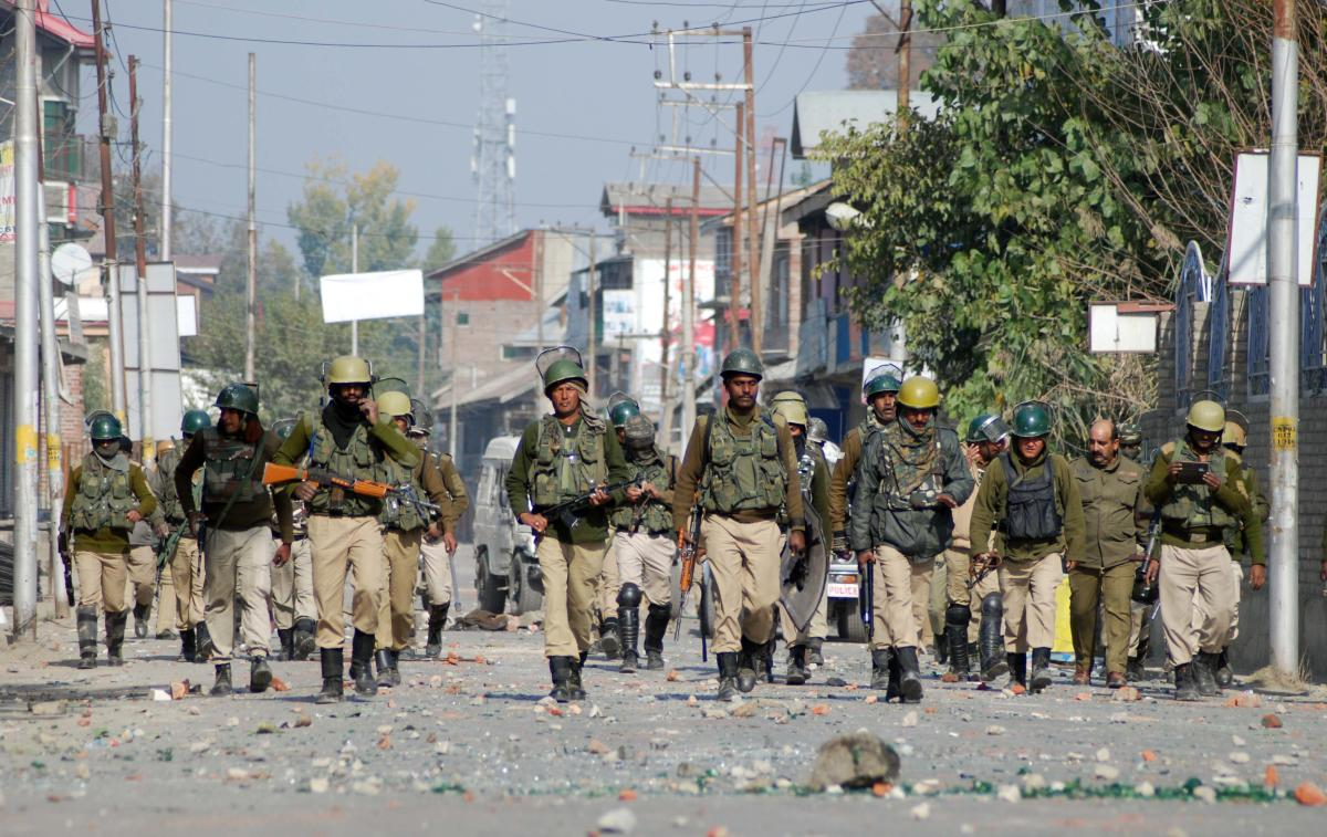 On Friday three soldiers were killed in separate militancy and stone pelting incidents in Kashmir. (DH File Photo/Umer Asif)
