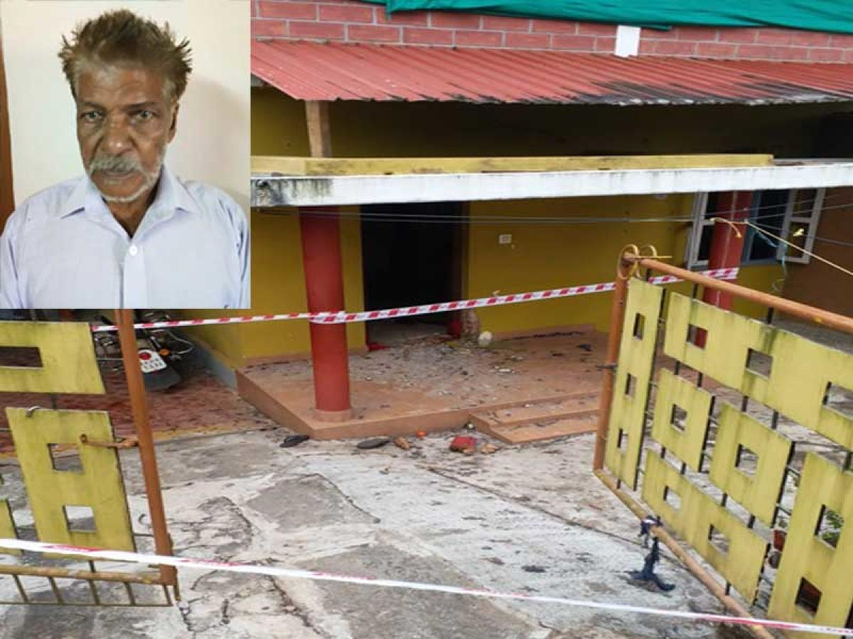 File photo of the house where Balu had planted the crude bombs. (Insert: Accused 81 year-old Balu alias Babu, Devasya Sebastian alias Mohammed). DH photo
