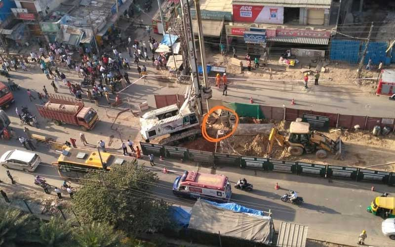 Aerial view of spot, where GAIL gas pipeline was damaged during metro work in Garudacharpalya on ITPL road. (DH Photo)