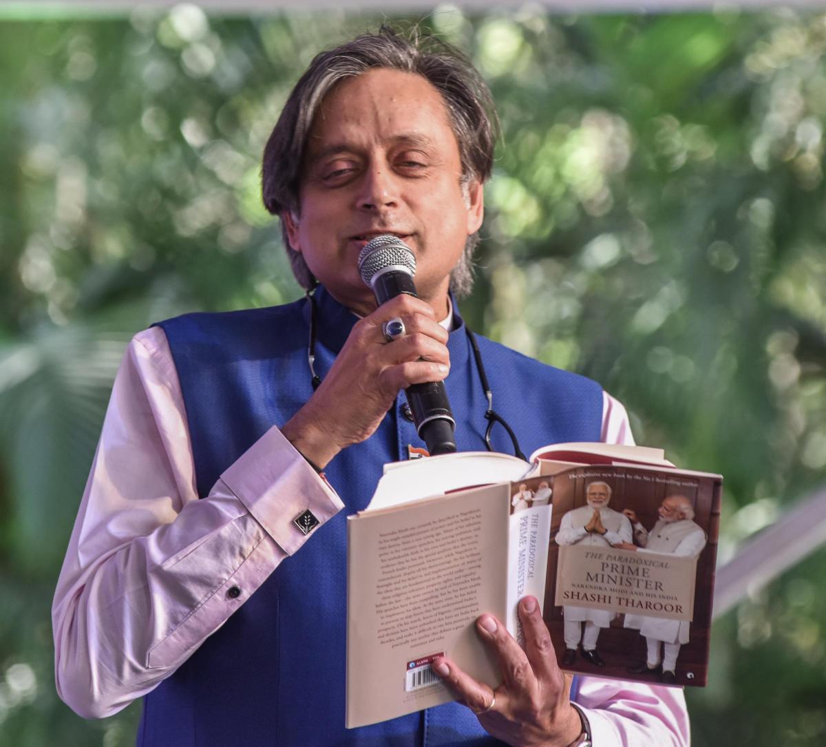 Shashi Tharoor speaks at the Bangalore Literature Festival on Sunday. DH Photo/S K Dinesh