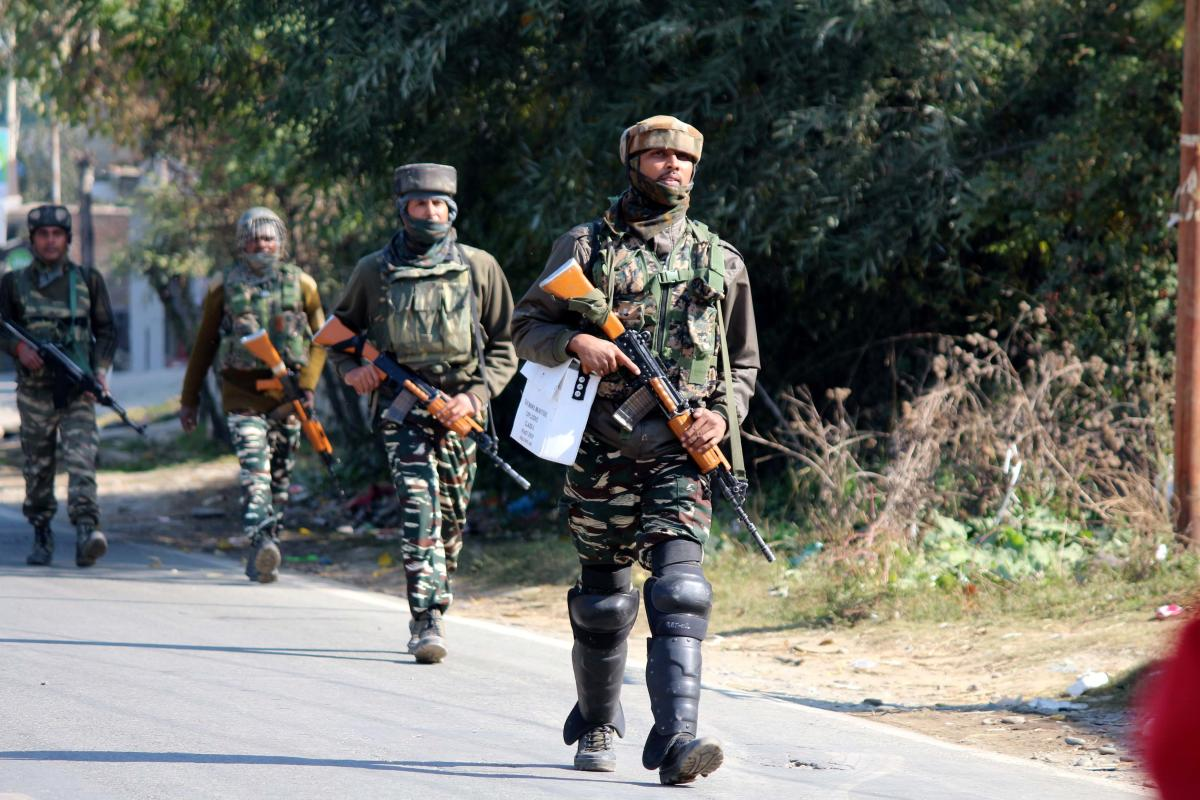 Due to rising attacks on security forces camps in the Valley, police and army have repeatedly issued advisories asking people not to venture close to camps. (DH File Photo)