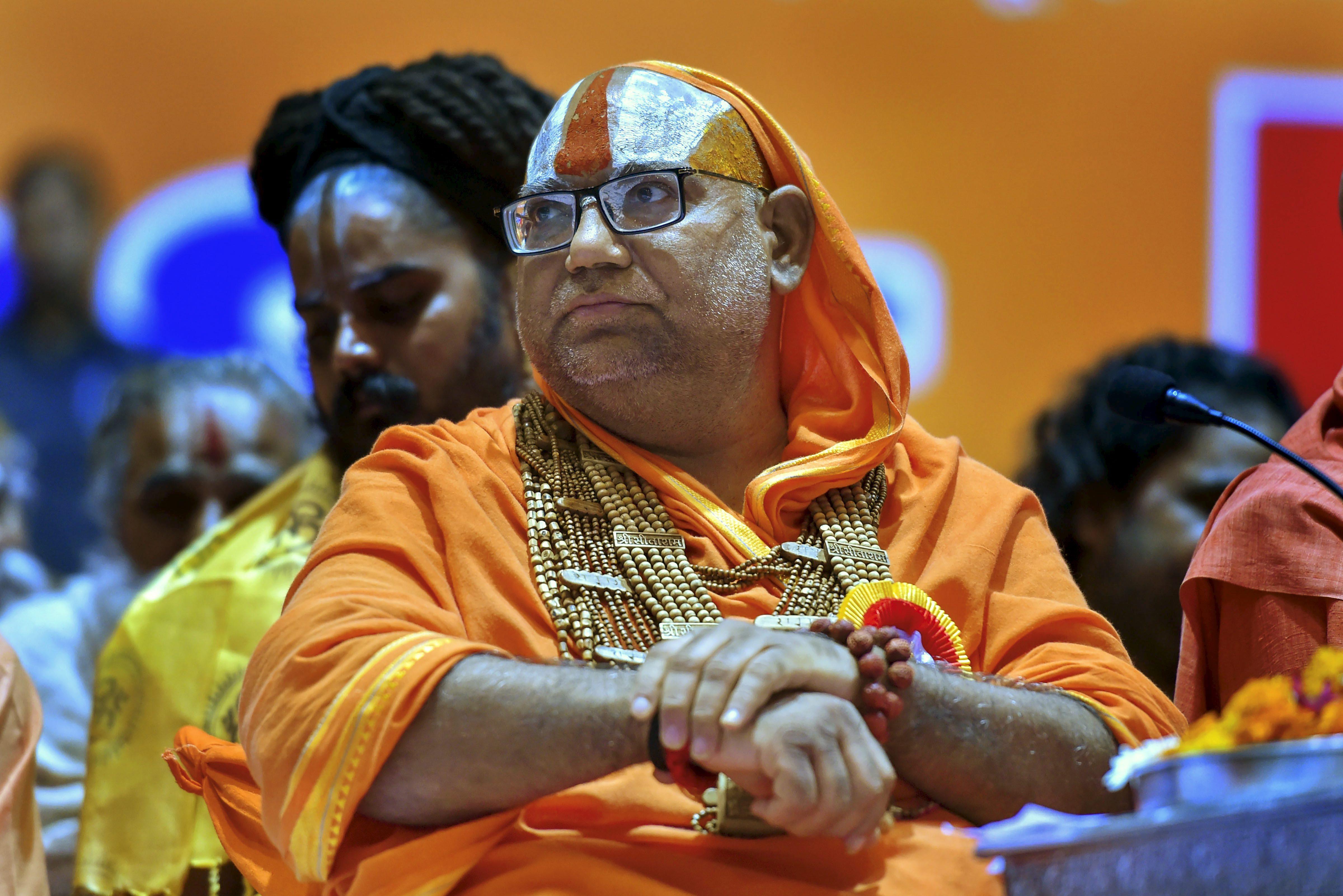 Akhil Bharatiya Sant Samiti chief Jagadguru Hansdevacharya at the two-day 'Dharmadesh' meeting of the Hindu seers, at Talkatora Stadium, in New Delhi, on Sunday. PTI