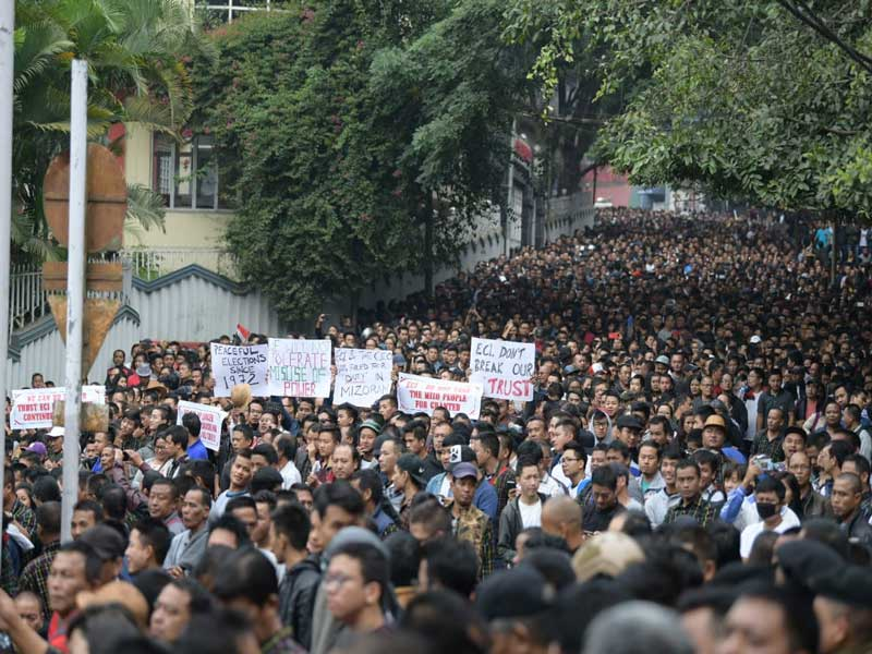 Protesters in Aizawl demanding removal of SB Shashank, chief electoral officer, Mizoram, on Tuesday. photo by Puia Chhangte, Aizawl