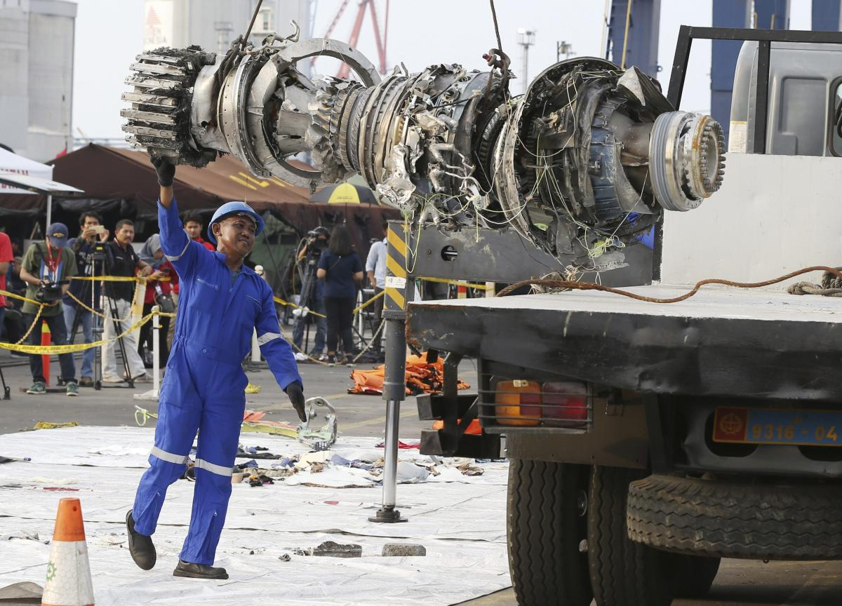 An official moves a recovered engine from the crashed Lion Air jet. AP/PTI file photo