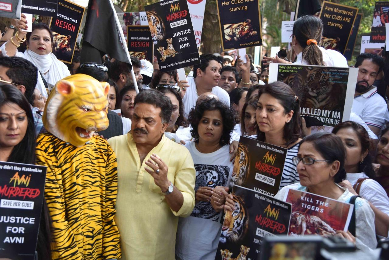 Mumbai Congress president Sanjay Nirupam with protesters in Mumbai on Sunday.