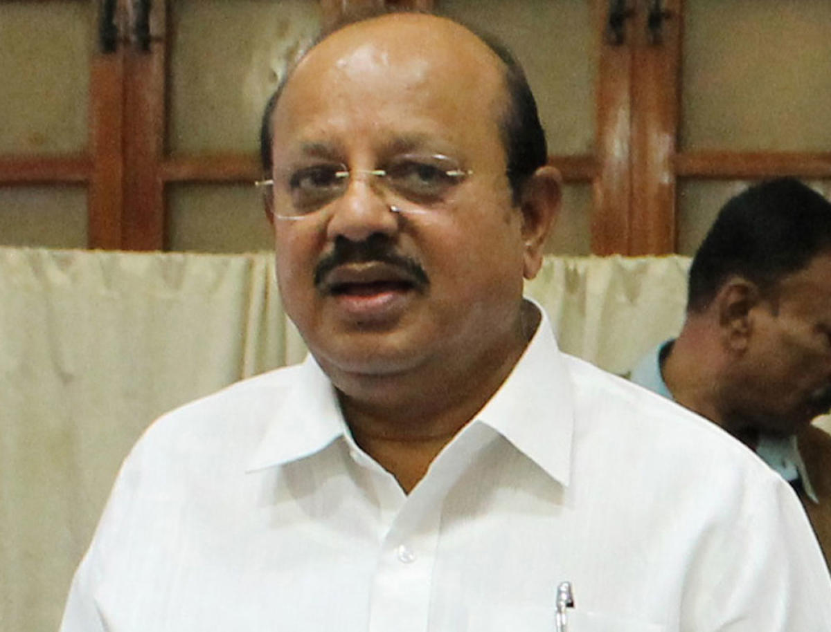 A complaint was filed in Urva police station against former Law Minister T B Jayachandra for threatening to burn the Prime Minister Narendra Modi alive.