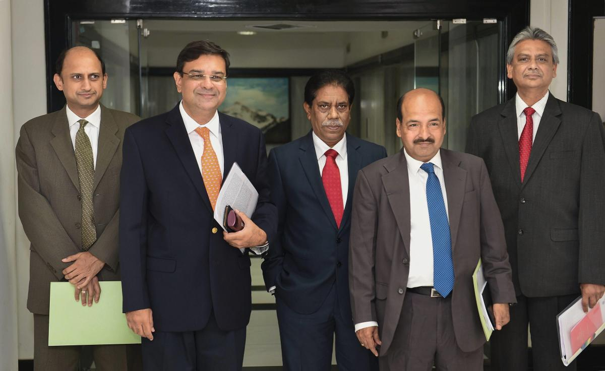 RBI Governor Urjit Patel (second from left) with RBI Deputy Governors (L-R) Viral Acharya, B P Kanungo and N S Vishwanathan at the RBI headquarters. PTI File photo