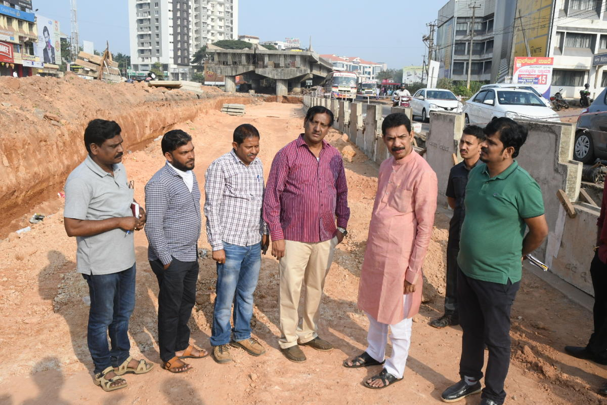 MP Nalin Kumar Kateel inspects the work on the flyover at Pumpwell in Mangaluru on Sunday.