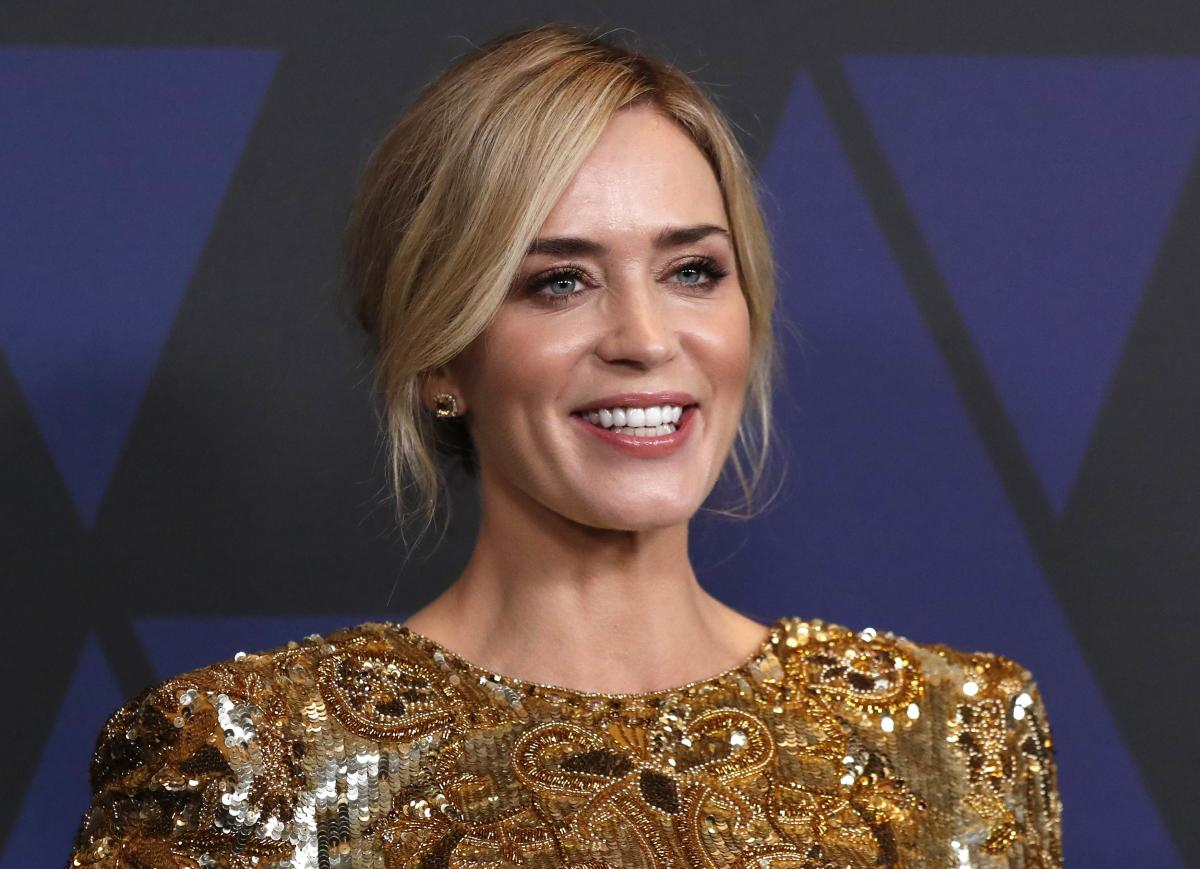 """The new sequel to Disney's 1964 film """"Mary Poppins"""" has Emily Blunt stepping into the shoes of veteran actor Julie Andrews as the prim and proper nanny with magical skills. (Reuters Photo)"""
