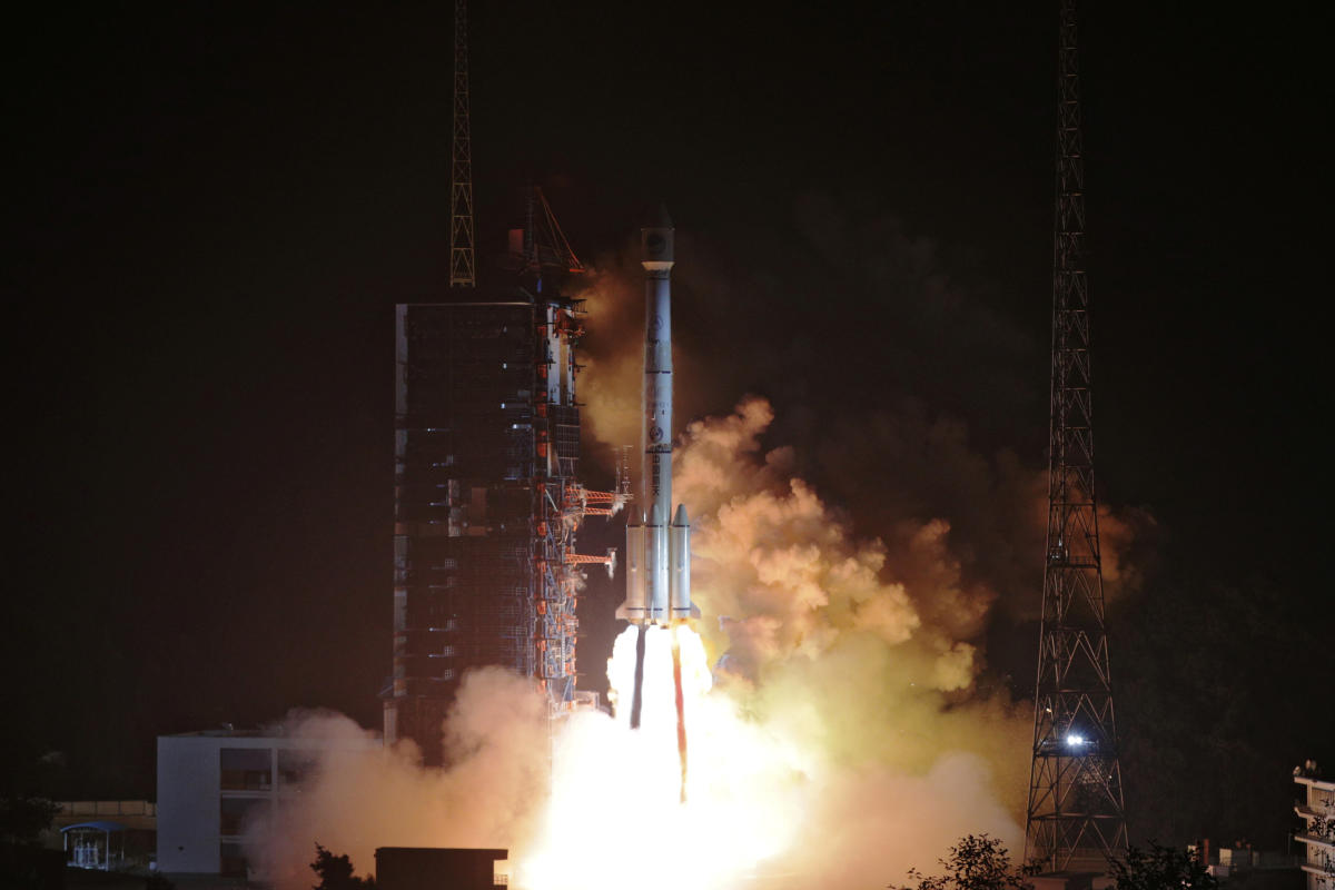 Two BeiDou-3 satellites via a single carrier rocket take off at the Xichang Satellite Launch Center, Sichuan province, China November 19, 2018. (REUTERS/Stringer)