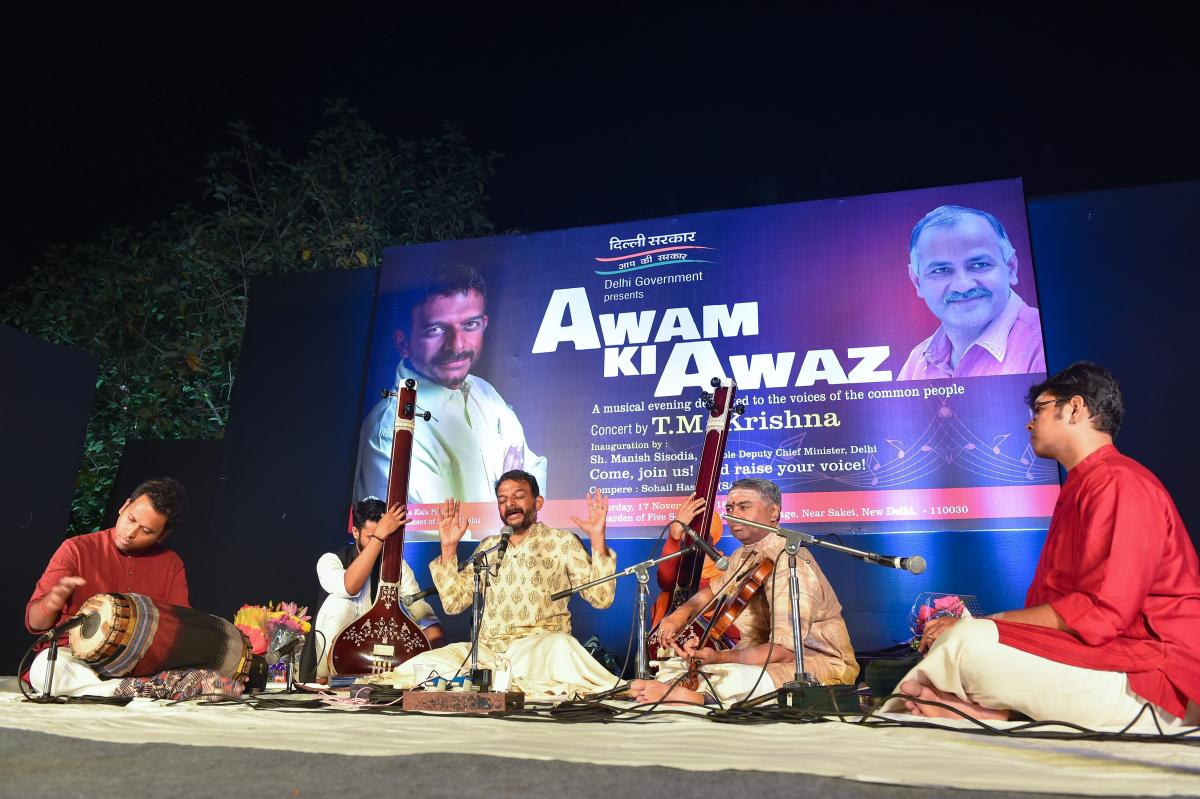 "Carnatic music vocalist TM Krishna perform during the concert,"" Awam ki Awaz"" at the Garden of Five Senses in New Delhi on Saturday, Nov 17,2018 .(PTI Photo)"