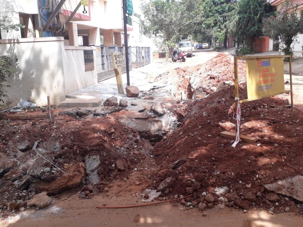 A road dug up for laying water pipelines in MHR Layout, Dasarahalli. DH PHOTO/DARSHAN DEVAIAH B P