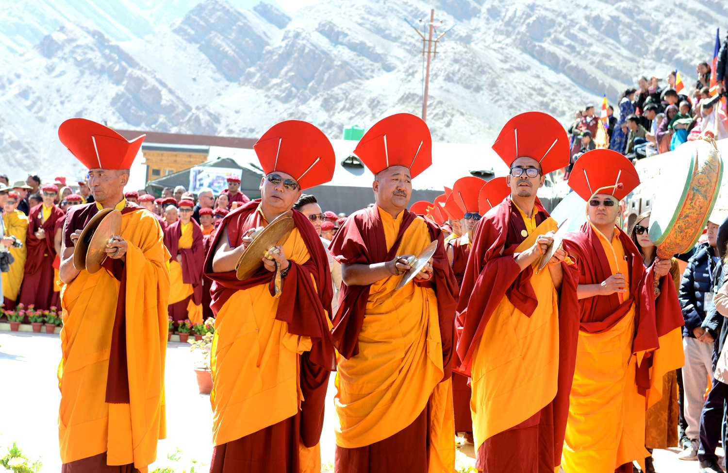 Monks wait for the arrival of the Six Bone Ornaments