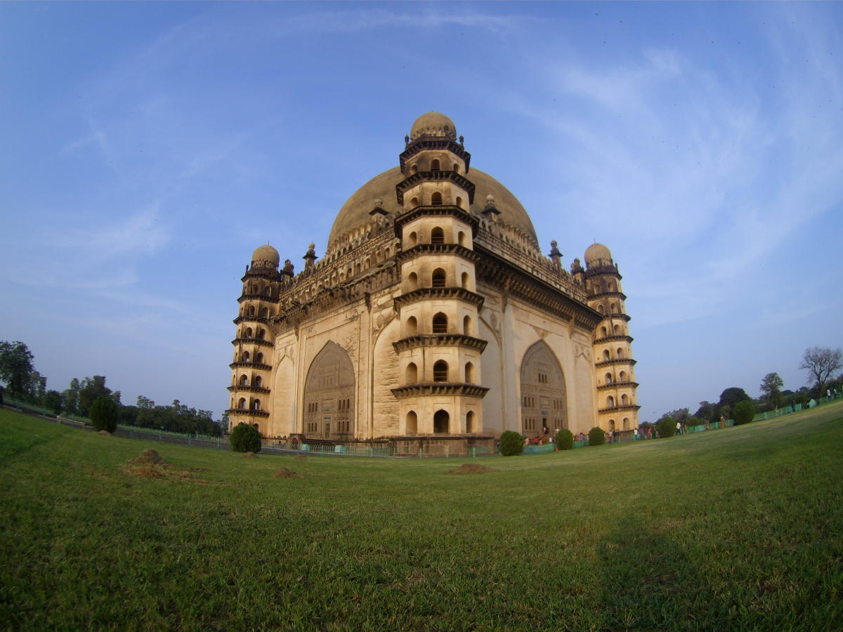 While these plans are currently being finalised, sources in the Culture Ministry said that minister Mahesh Sharma himself is keen to push the closing time of the 3,686 centrally protected monuments/sites under the ASI till at least 8 pm. (Above: ASI site ASI site Gol Gumbaz. DH File photo)